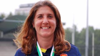 Yvette van Yperen helps England secure 035s gold