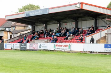 A good crowd in the stand, including the injured Ryan Haugh