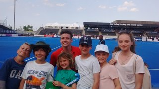 BEHC JUNIORS & PARENTS AT WORLD HOCKEY LEAGUE SEMI FINALS 18/06/17