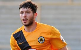 Simmons departs following loan spell