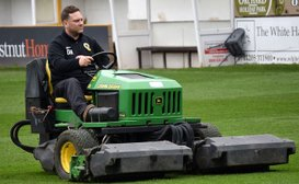 Pitch in to support United groundstaff