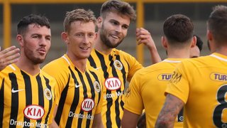Boston United 4-2 Scunthorpe United