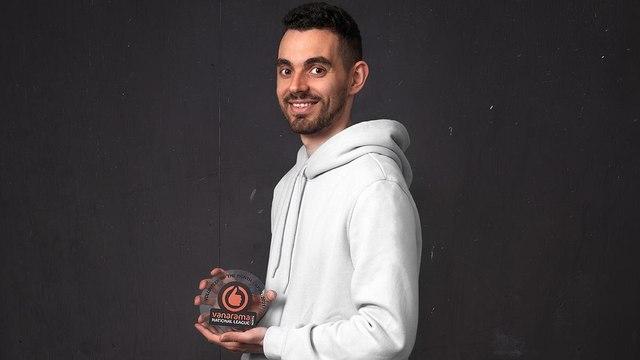 United man lifts volunteer award