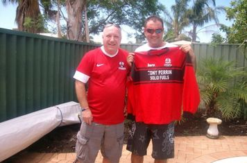 07/01/2013 - 'Brookie on Tour' Ian Oxley wearing his Shirebrook Town replica shirt and pictured here with overseas Town supporter Kenny Jarvis who emigrated to Australia over 5 years ago and now lives in Perth, where the photo was taken Christmas 2012.