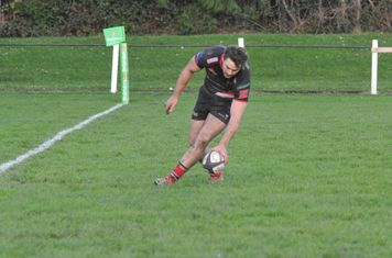 Wizard Reuben end his elusive running with Lyd's 1st half try