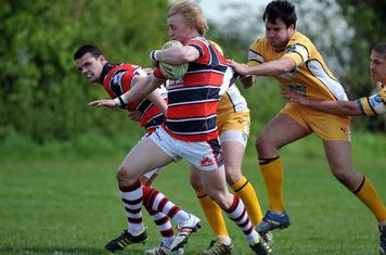 Rory Sharratt tries to break away (courtesy SBSphotos.co.uk)