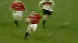 Sensational Try by Lions legend John Bentley