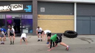 Heanor Town U19's in Funktion Gym Training